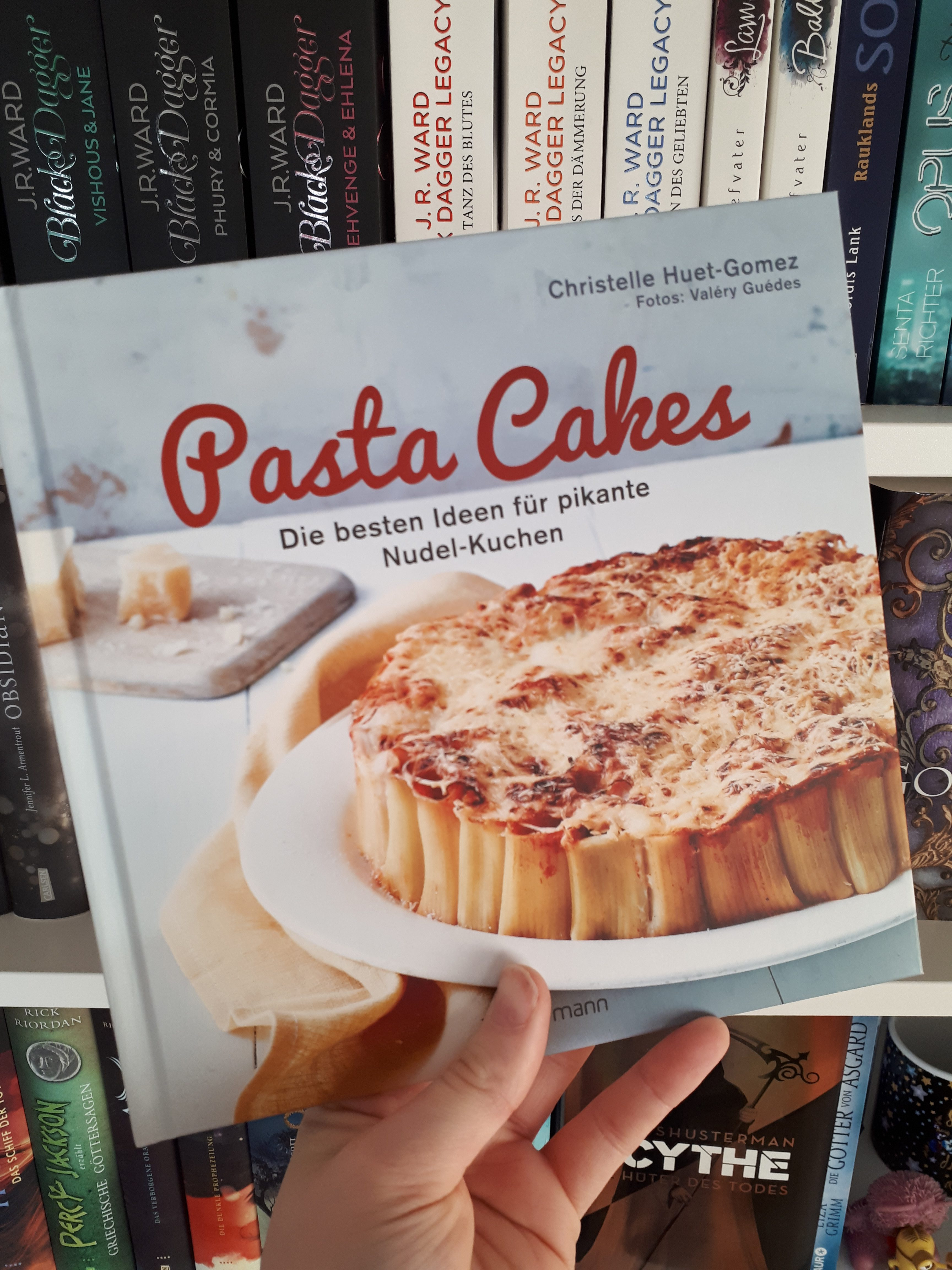 [Werbung] Pasta Cakes: Die besten Ideen für pikante Nudel-Kuchen – Christelle Huet-Gomez