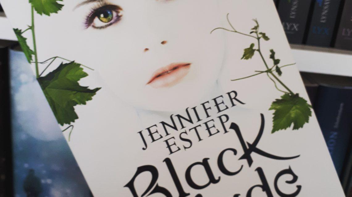 [Rezensionsexemplar] Black Blade: Das eisige Feuer der Magie – Jennifer Estep